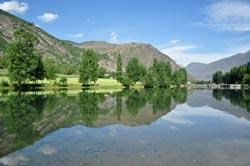 Lago en los Pirineos